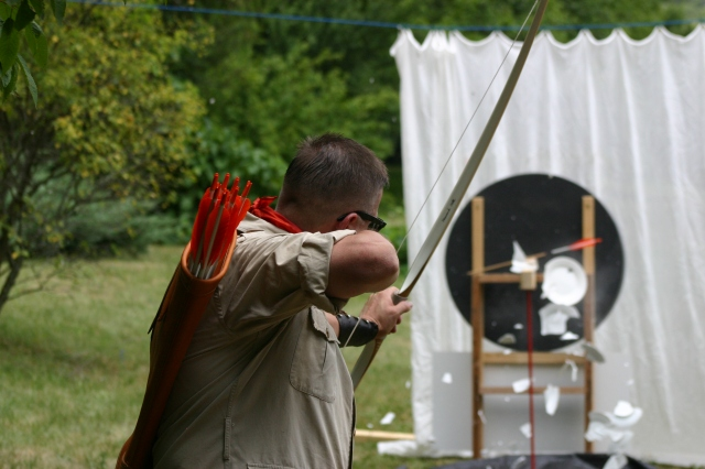 Legends in Archery - trick shooting with the LegendStick longbow