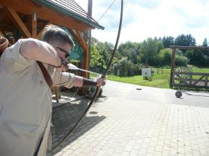 Legends in Archery - Fun with longbows - hit 'em moving.