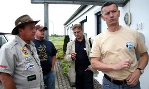 Byron Ferguson, Zachary Ferguson, Peter O. Stecher, und Ing. Harald Fischer von Bearpaw der starke Mann hinter Henry Bodnik.Bearpaw2