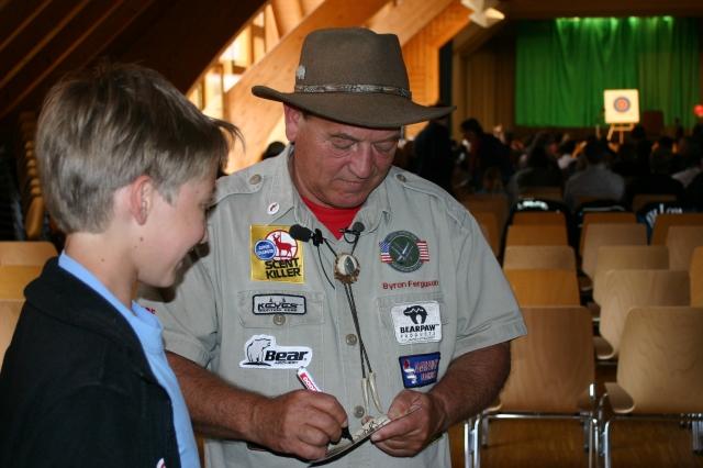 Byron Ferguson signing souvenirs. Photo by Peter O. Stecher 2011