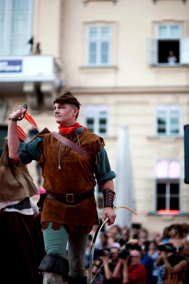 Robin Hood Style Archery ActionThe History of Fashion-PeterOStecher-001
