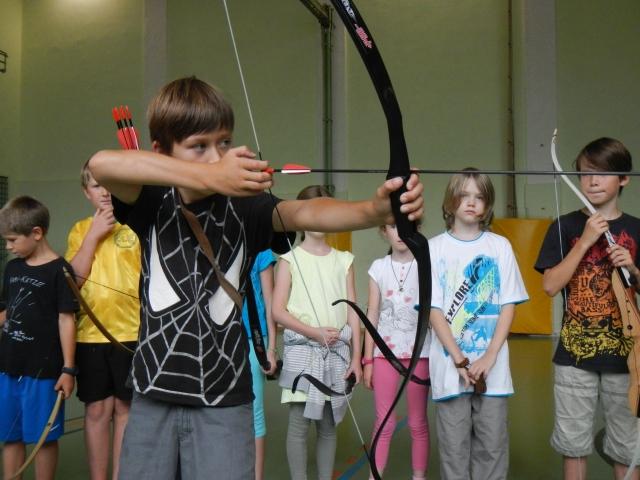 Intuitiv-Instinktiv Bogenschießen lernen – Bogensport in Schulen – Bogensport-Schule