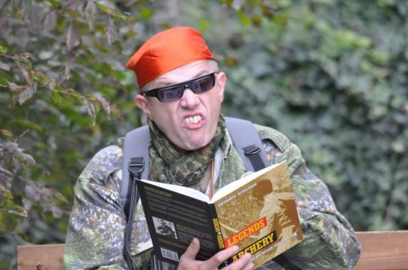 Crazy Archer Otto unfolds: Braune Verschwörungs-Theoretiker und Xavier Naidoo