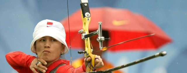 Zhang Juanjuan, Olympiasiegerin im Bogenschießen, 2008, Peking. ORF – Austrian TV. Olympic Games Winner 2008 Zhang Juanjuan takes aim during the women's archery individual round at the Olympic Green Archery Field during Day 6 of the Beijing 2008 Olympic Games on August 14, 2008 in Beijing, China.