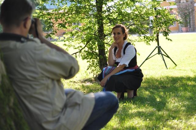 Shooting für Jaguar Graz im Gwandhaus Gössl mit Tanja Baumgartner und RTL in Salzburg, Austria, Making of-Photos by Herwig Art & Peter O. Stecher, 2015.