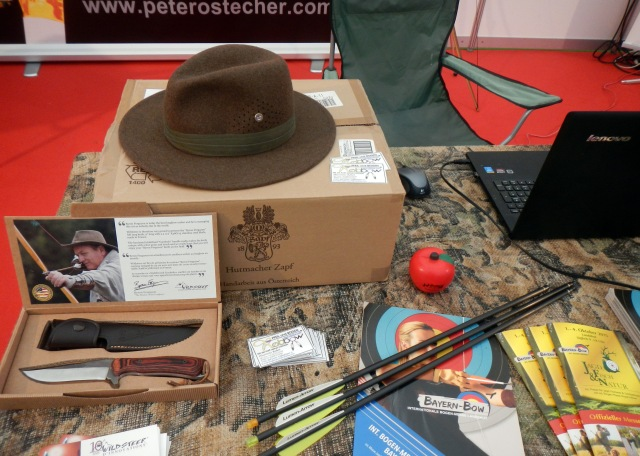 Archery Trade Show in Germany - BAYERN BOW Landshut - presenting brandnew Byron Ferguson Products: The quality knife by Wildsteer, France and the handmade hat by Hutmacher Zapf, Austria.